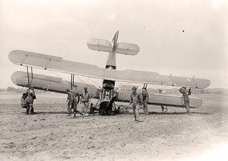 Biplane-Crash